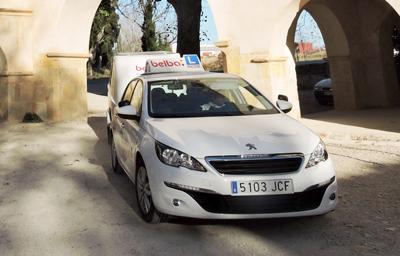 Coche para obtener el permiso de conducir en Castellón en la autoescuela Belba