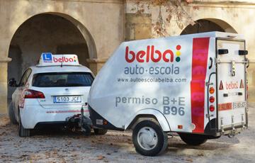 Remolque para sacarse el carnet B+E y B96 en Castellón en la autoescuela Belba